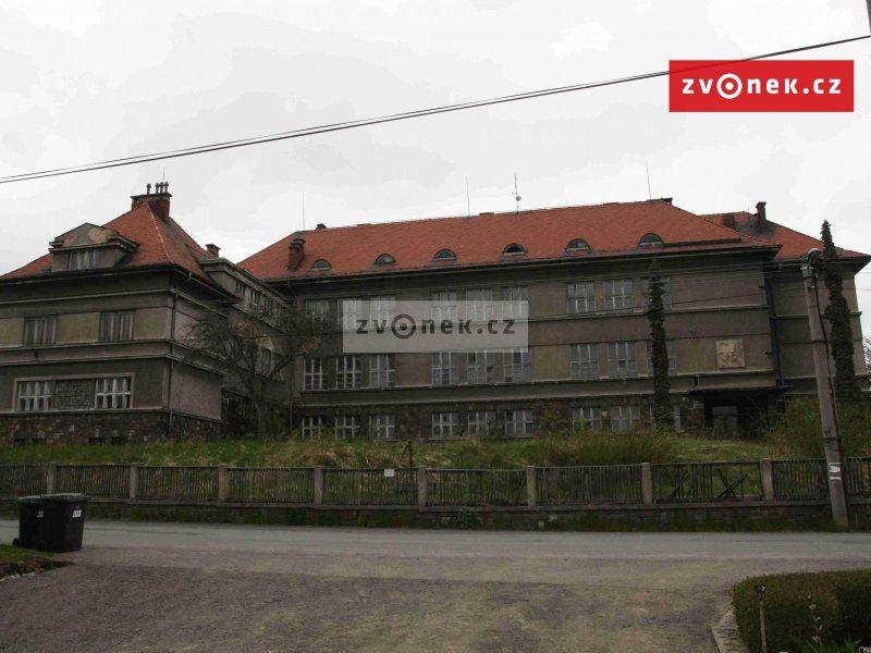 Prodej objektu bývalé školy v Heřmanicích u Polomi
